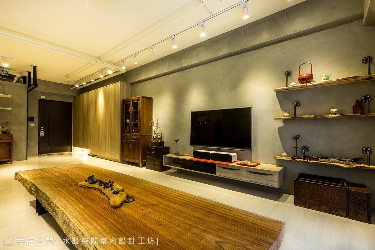 木質系の工業風宅邸